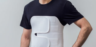Повреждения грудной клетки грудины ребер признаки первая помощь
