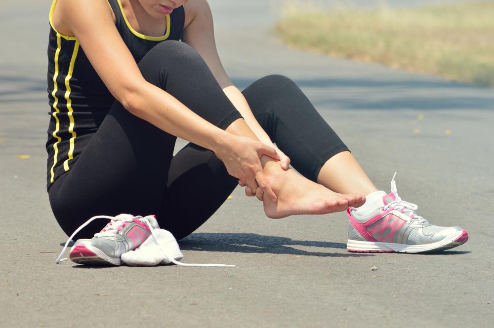 Лечение и реабилитация при растяжении связок стопы