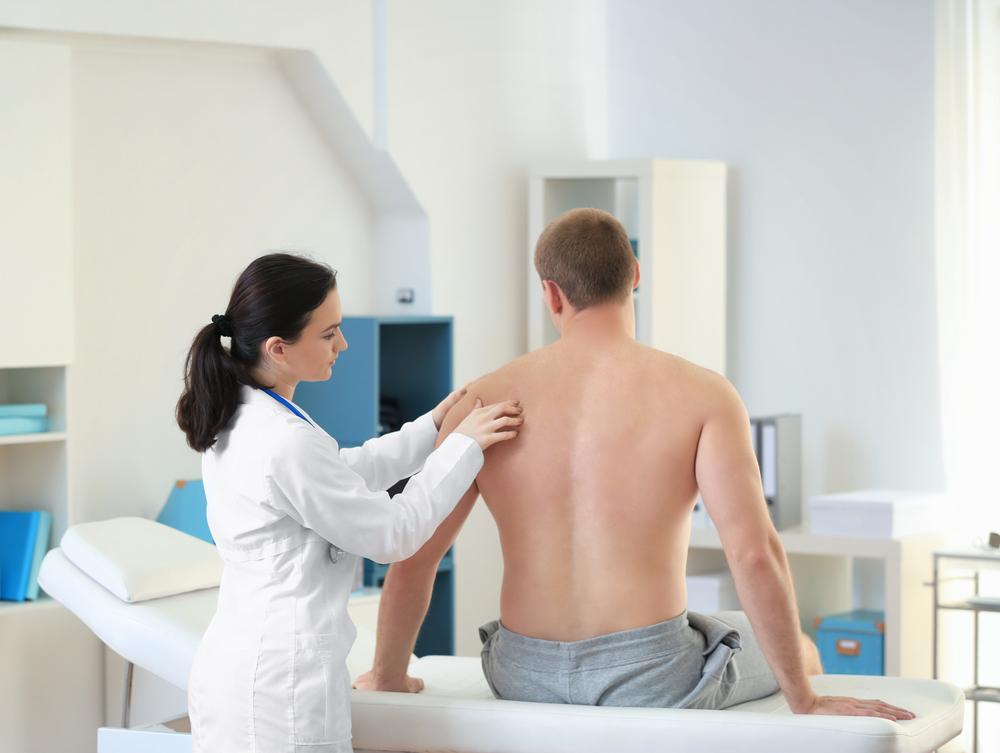 к какому врачу обращаться при болях в плечевом суставах